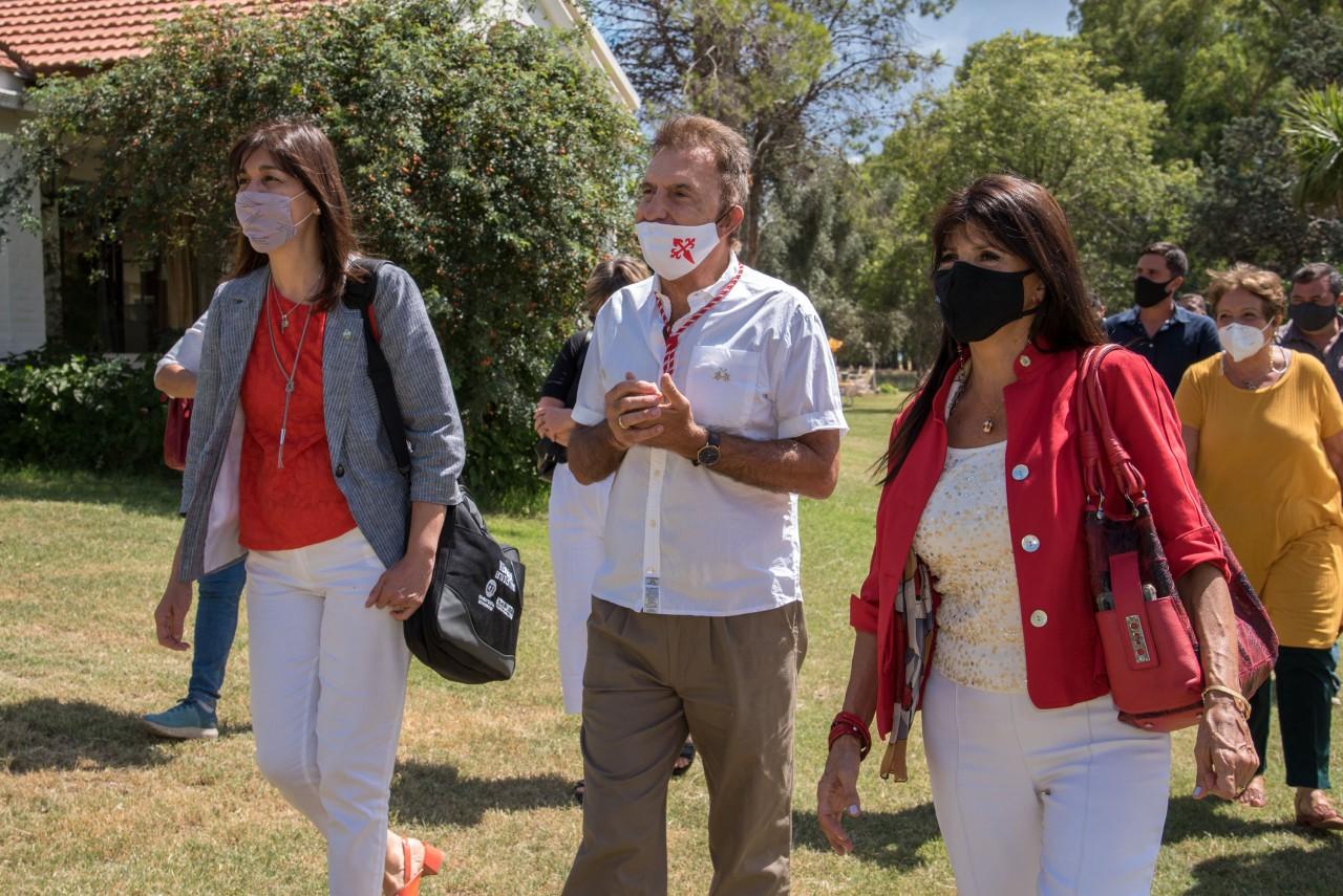 Responsables de Turismo de Neuquén y La Pampa con representantes del sector